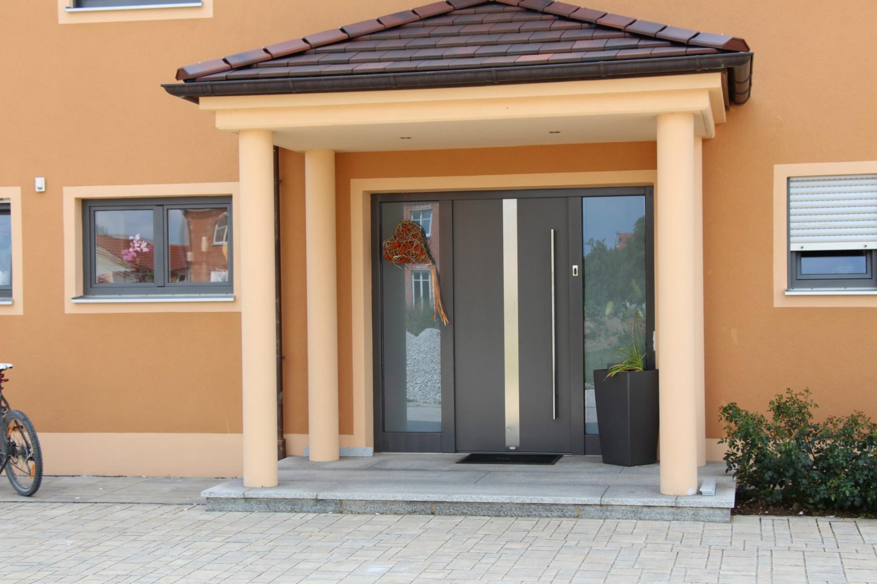 Haustüren mit seitenteil holz  Aktuelles aus dem Türenwerk Westner - Türen Westner in Denkendorf